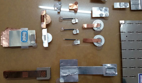 软包电池引出极片焊接机图片